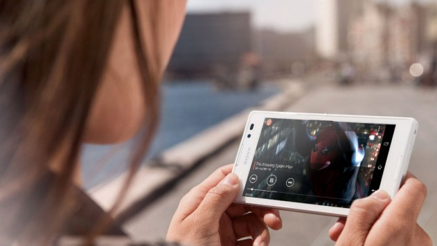 smartphone watching videomind_0